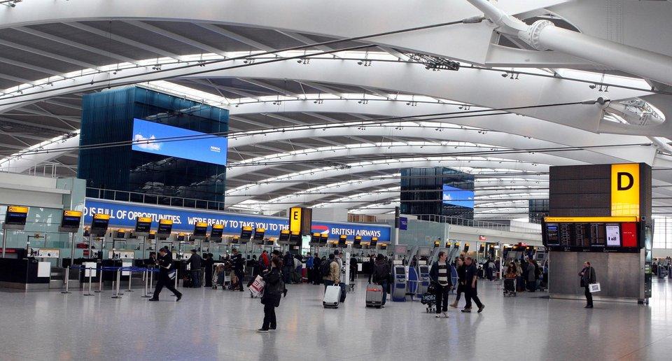 عصر ویزا تصویر ترمینال ورودی فرودگاه هیترو